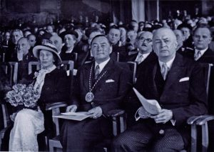Centre: Richard Coudenhove-Kalergi wearing the Charlemagne Prize presented 1950
